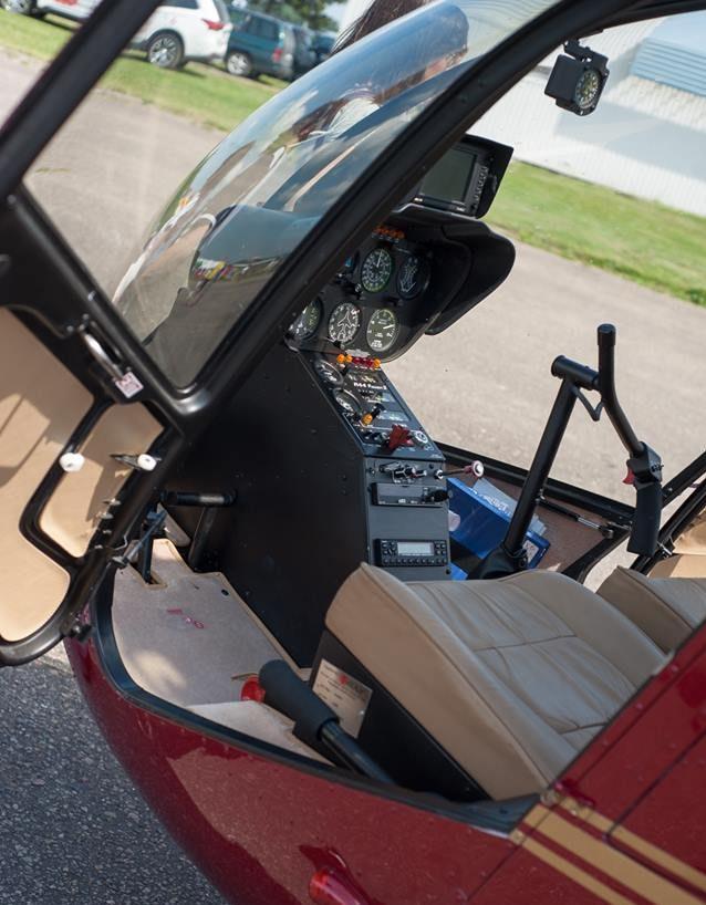 Robinson R44 cabin flight student pilot